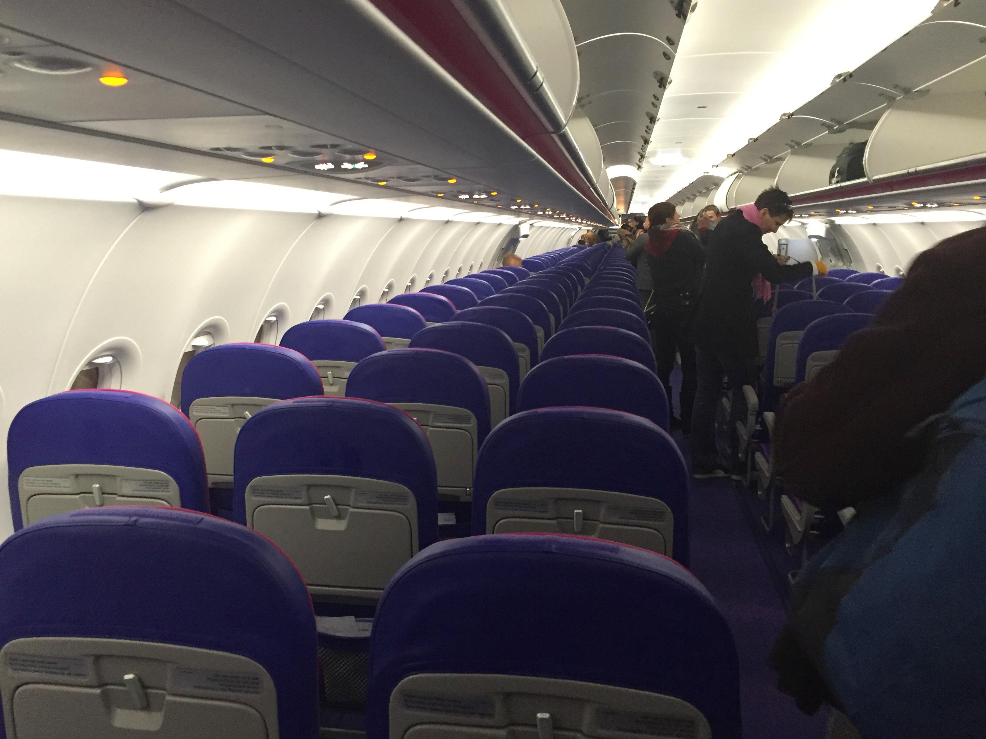 Wizz A321 cabin