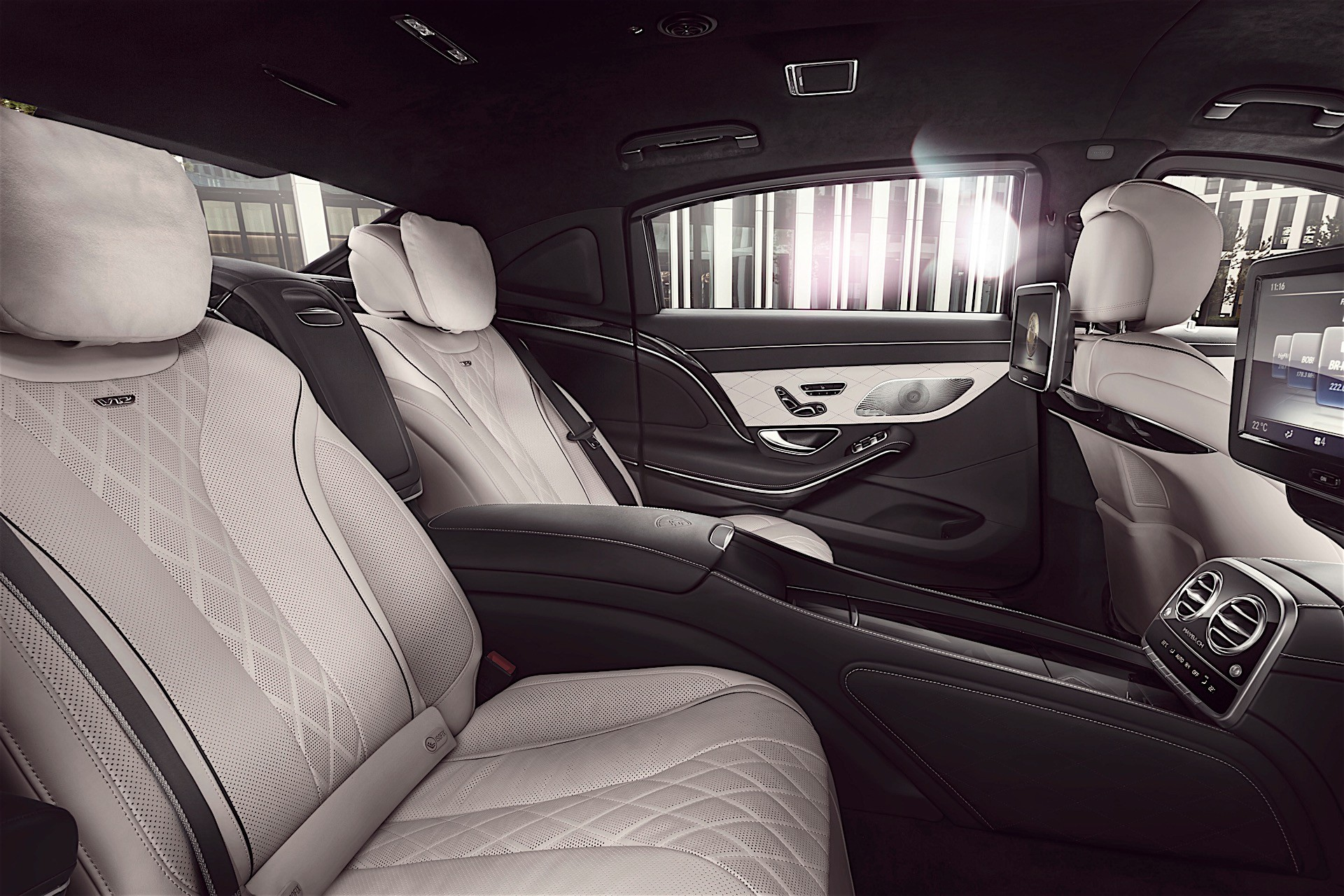 Maybach_S600_Guard2