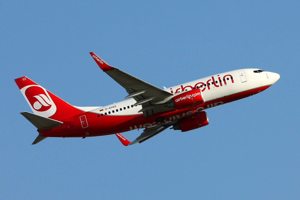 1200px-Air_Berlin_Boeing_737-700_D-AHXD