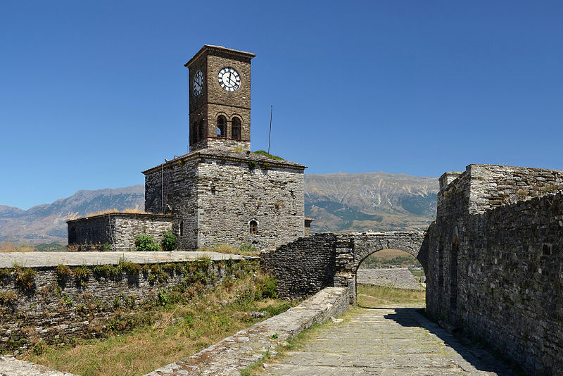 Gjirokastër_Castle_(by_Pudelek)_5_-_Clock_Tower_