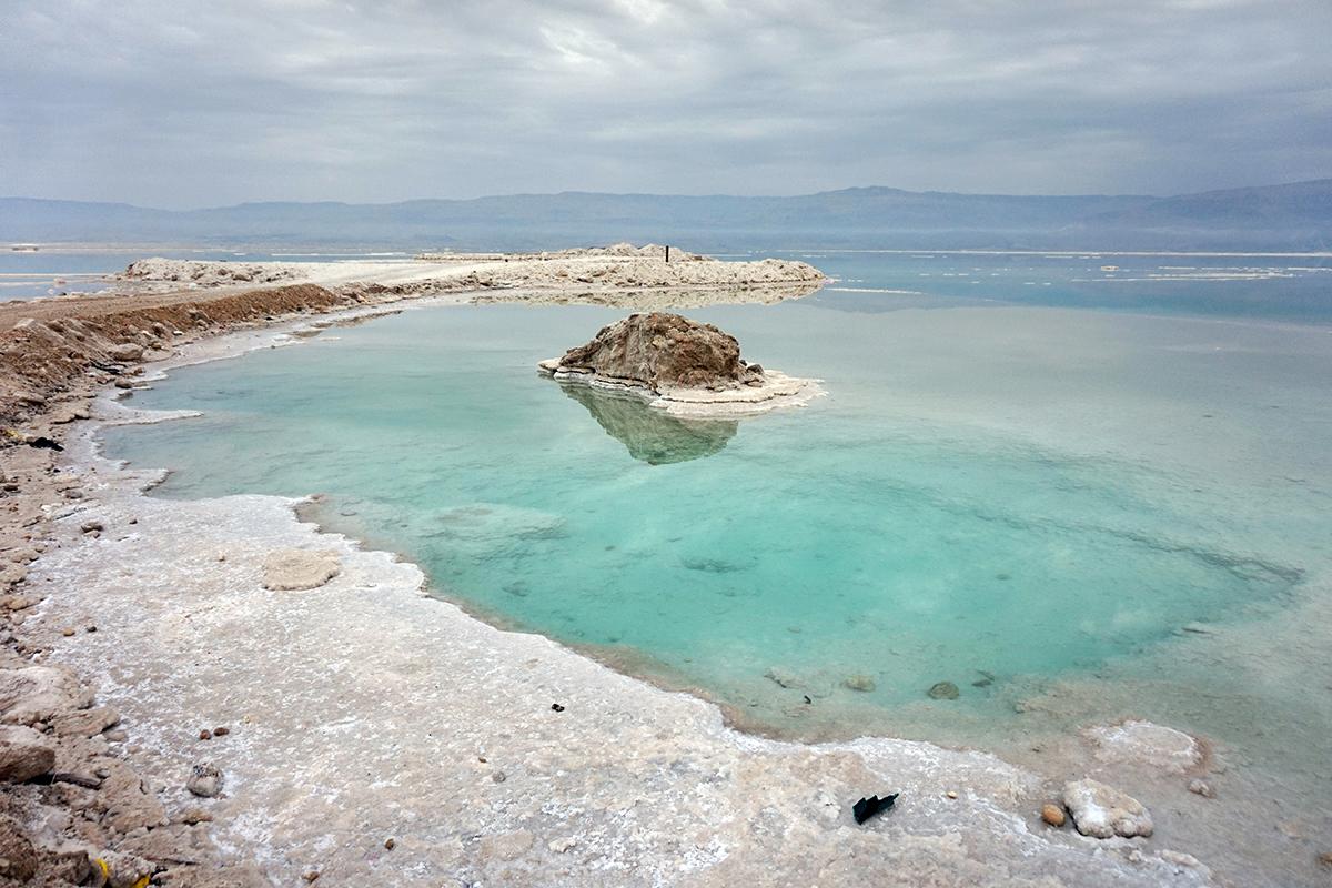 Dead_Sea_shore