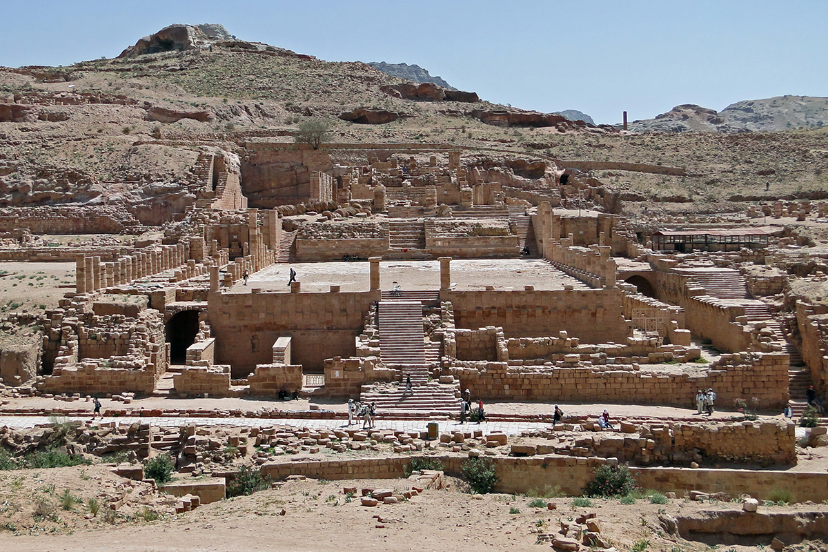 Great_Temple_of_Petra_01